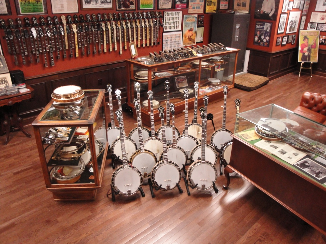 Jim Mills Banjo Inc  – I buy, Sell and Trade exclusively in Pre War